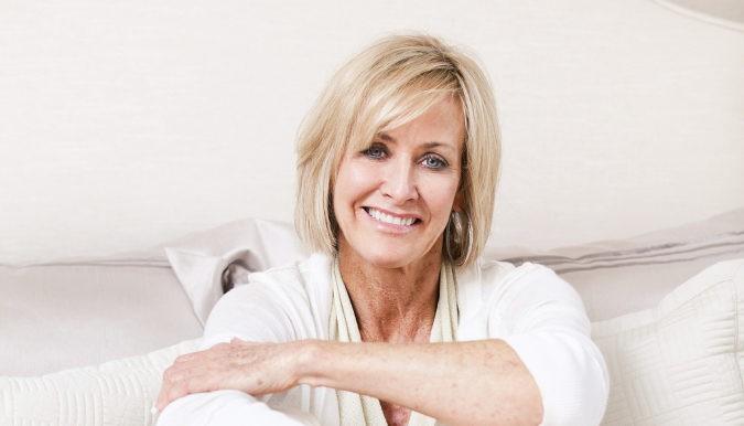 Con la llegada de la menopausia, se reducen las hormonas en el cuerpo de la mujer, lo que ocasiona problemas de incontinencia urinaria