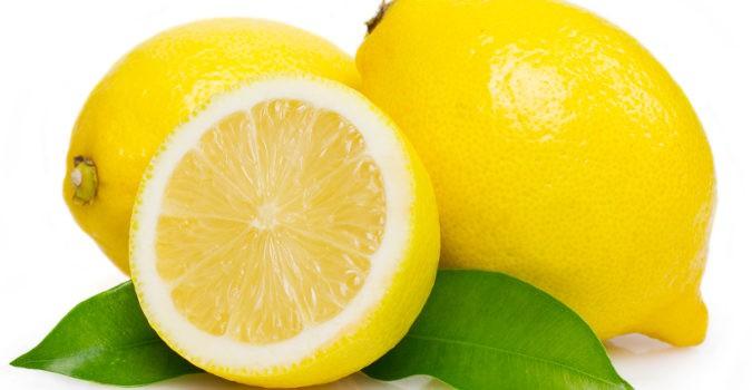 El limón es es un gran aliado contra los hongos en los pies