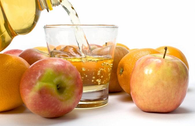 El día antes de la colonoscopia se deberá tomar una dieta basada en líquidos claros
