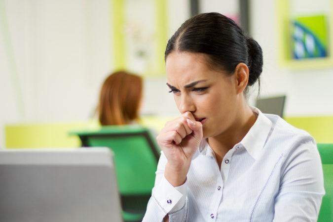 Los primeros síntomas de la tuberculosis son muy parecidos a los de un catarro común o gripe