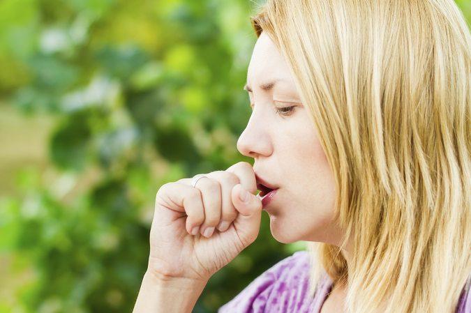Existen remedios caseros para las tos seca que te harán sentirte mejor