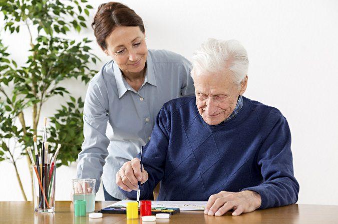 Los cuidadores también deben cuidarse para poder dar una buena atención