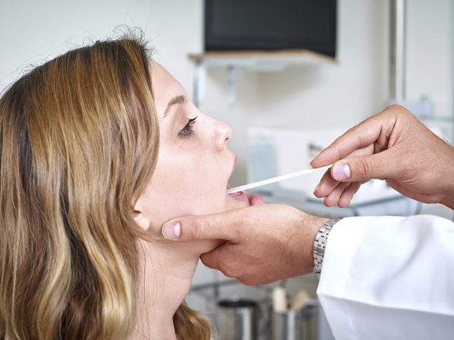 Si el cáncer es positivo se realiza una endoscopia en la boca