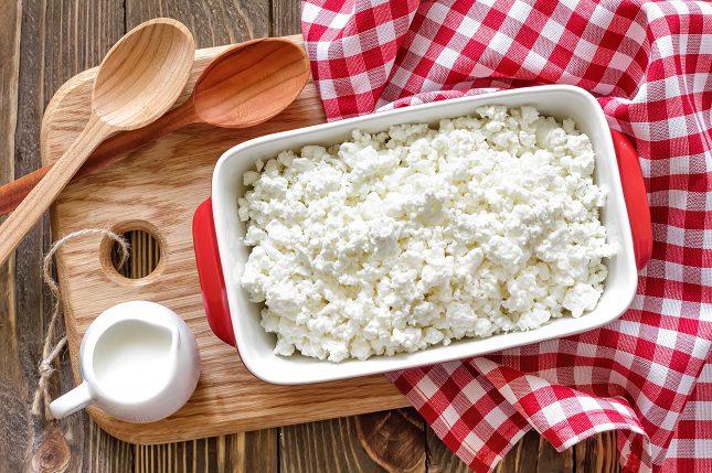 El kéfir esta hecho con unos ingredientes similares a los de los yogures