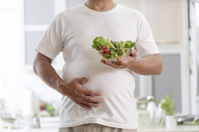 La ascitis ocurre cuando se acumula líquido de manera anormal en el abdomen