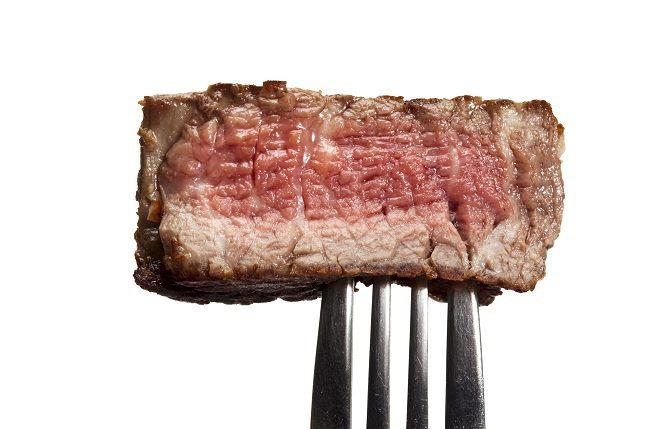 Las carnes rojas <b>son aquellas que provienen de los mamíferos