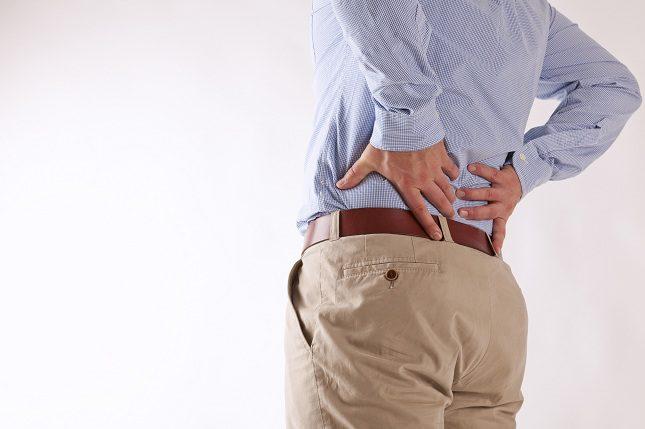 El dolor de lumbares se da sobre todo en personas cuya edad está comprendida entre los 30 y los 60 años