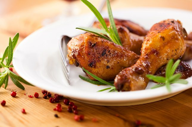 La carne de pollo cada vez tiene más líneas de grasas