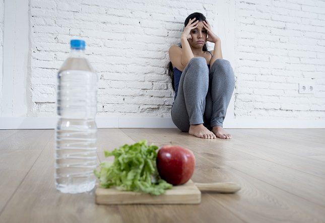 Escribir eso que te preocupa en un diario te ayudará a quitarle peso a la preocupación