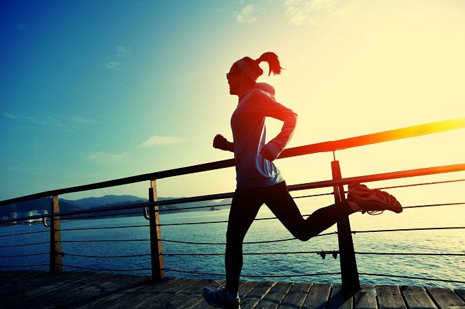 Salir a correr es una buena forma a la hora de eliminar grasas del cuerpo