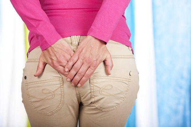 El absceso perianal es más frecuente en los hombres que en las mujeres
