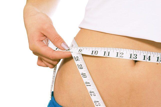 Cuando se tiene mucha hinchazón el vientre puede ser una causa que justifique que no pierdes peso