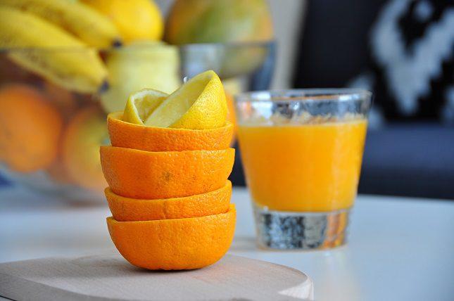Un vaso de zumo de naranja recién exprimido es lo mejor que puedes agregar a tu dieta para mejorar en tu salud