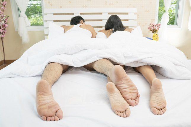 Lo más habitual es plantearse dormir desnudo en verano