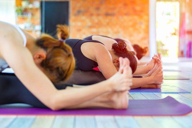 Tanto la cerveza como el yoga son terapias que se han usado desde hace siglos por sus beneficios para la mente y el cuerpo