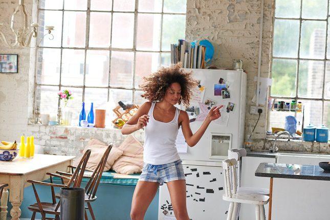 Existen dos tipos diferentes de ejercicio físico: baile y entrenamiento de resistencia