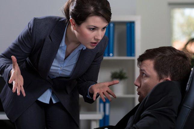 Cuando has sufrido acoso laboral te costará confiar de nuevo en los compañeros de trabajo