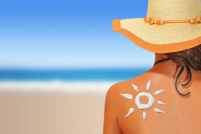 El dermatólogo usará esta técnica para examinarnos si tenemos una lesión solar