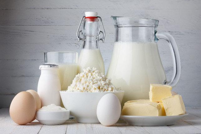La carnitina está presente en alimentos como los lácteos