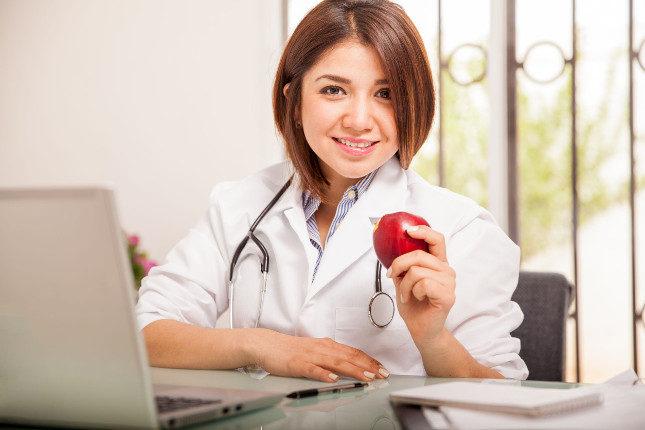 Habla con tu médico o un nutricionista antes de comenzar la dieta cetogénica