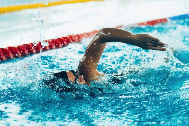 La natación ayuda a mejorar la circulación de la sangre