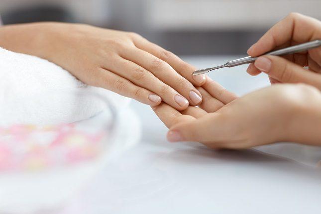 Los esmaltes de uñas también tienen fecha de caducidad