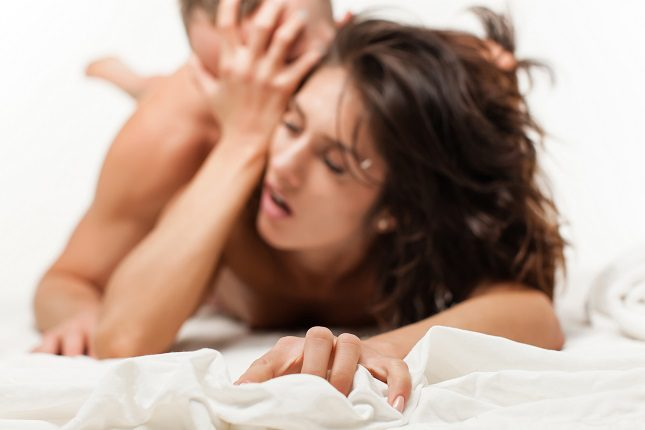 Cuando hablamos de sexo dentro de una relación en la pareja parece que el tiempo siempre corre en contra