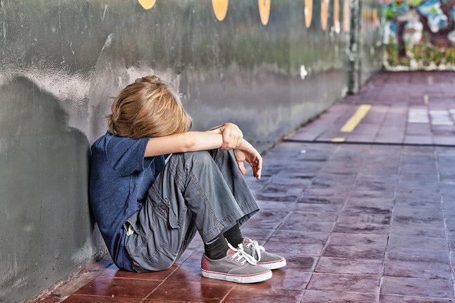 En España, uno de cada 10 alumnos</b> asegura que ha sufre en la actualidad acoso escolar