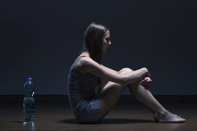 En muchos casos las personas que padecen anorexia se pasan el día hablando sobre alimentos