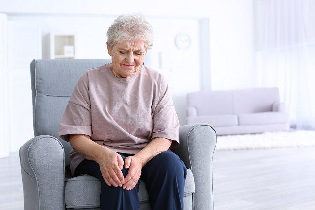 Cuando la inflamación de las articulaciones no disminuye, la enfermedad puede convertirse en un trastorno crónico