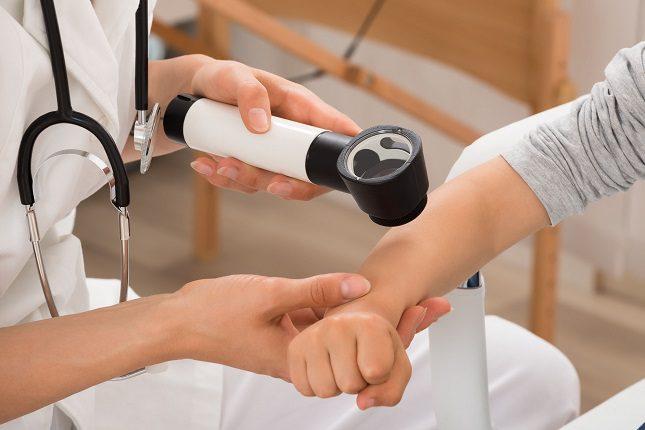 Antes de realizar cualquier tipo de prueba para detectar una alergia, el alergólogo le preguntará los síntomas que tiene