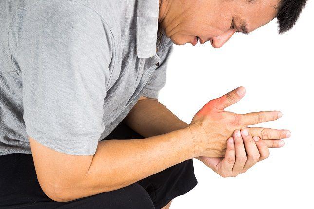 Tener el ácido úrico alto se puede conocer tras realizarse un análisis de sangre