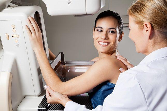 Lo recomendable es efectuarse una mamografía al año al cumplir los 40 años de edad
