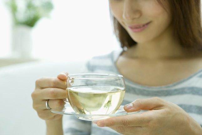 El té negro también aporta beneficios calmantes y relevantes