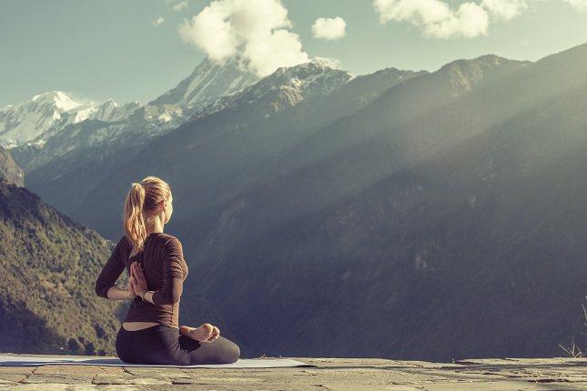 Otra forma de relajarte en cualquier momento u en cualquier lugar es tomando respiraciones profundas