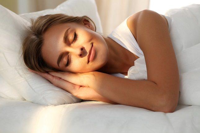 Una almohada te da comodidad, pero también es importante para el apoyo de tu cuello y de tu columna vertebral