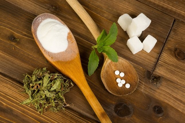El azúcar está bien camuflado en muchos alimentos con nombres de ingredientes que no sabes lo que son o que te parecen que no son azúcar