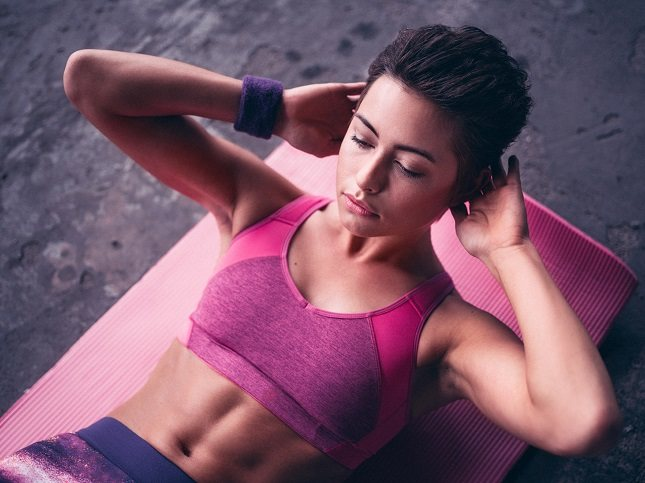 Los ejercicios hipopresivos están indicados para fortalecer y definir los músculos de la zona abdominal