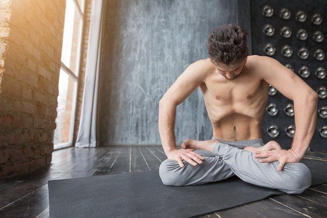 Practicar yoga, meditación o la respiración consciente te puede hacer más resistente al estrés