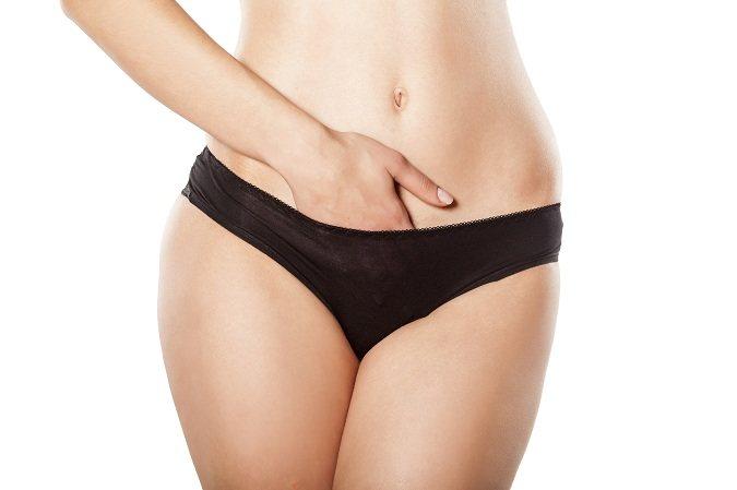 El flujo marrón con mal olor también puede ocurrir si hay un cuerpo extraño en la vagina