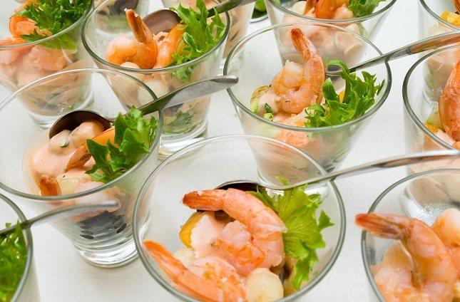 El consumo de pescado crudo y mariscos puede causar intoxicación alimentaria