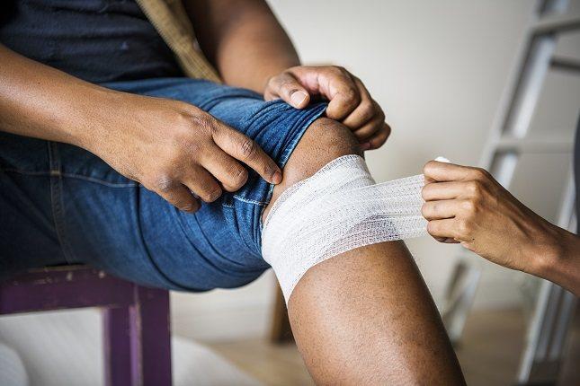 Las fracturas a a la altura de la rodilla, o del tobillo, son muy comunes en fútbol