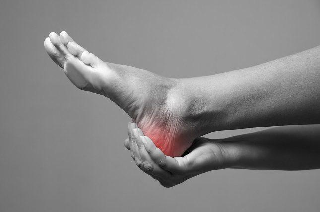 Una mala articulación puede causar dolor en las piernas, los pies, los brazos y también en las manos