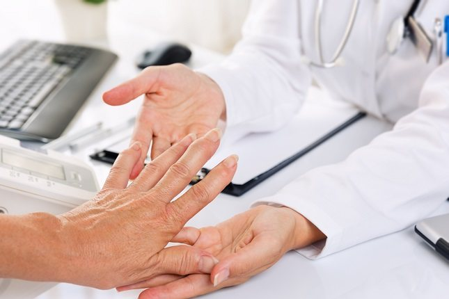 Cuando una mujer que sufre artritis psoriásica se plantea ser madre tiene miedo