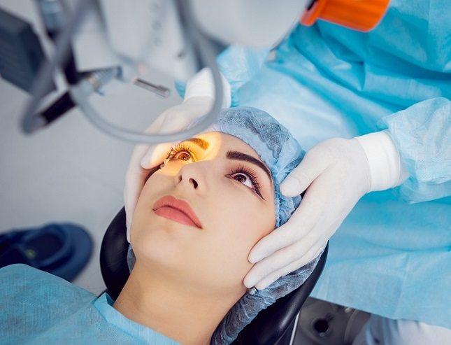 El tratamiento del melanoma ocular dependerá de varios factores