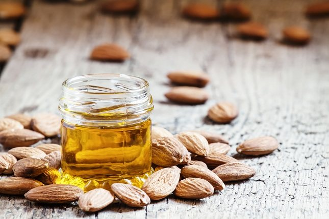 El aceite de oliva refinado puro puede manejar el calor mejor que el aceite de oliva virgen extra