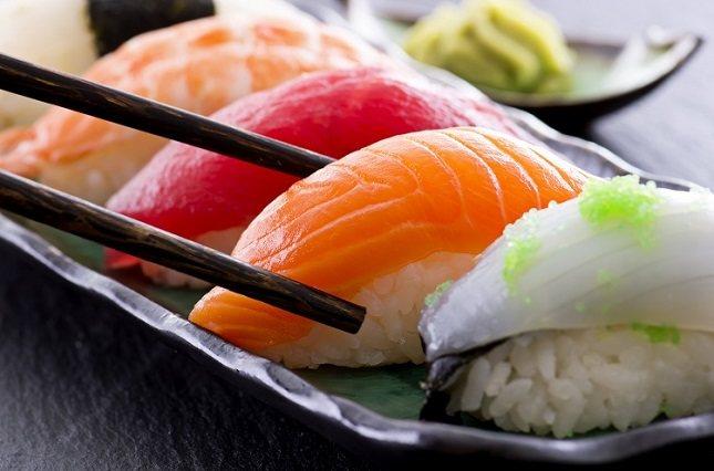 Los síntomas de intoxicación por pescado suelen aparecer unos 15 o 30 minutos después de que lo hayamos consumido
