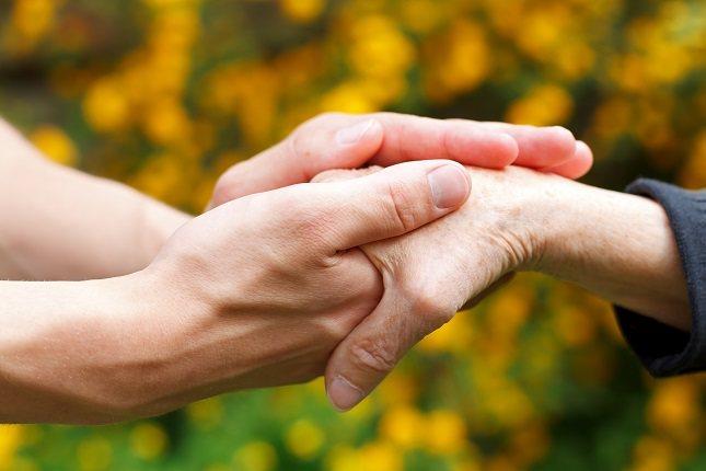 El hipertiroidismo es otra de las causas más habituales por las que una persona puede sufrir temblores