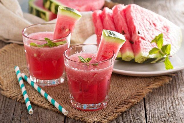 La sandía es una de las frutas que más presente suele estar en las dietas para perder peso