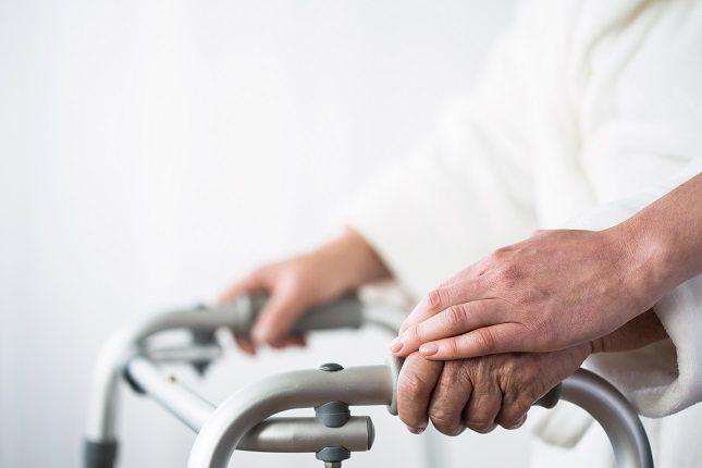 Las personas que padecen Alzheimer pierden habilidades de comunicación particulares durante todas las etapas de la enfermedad